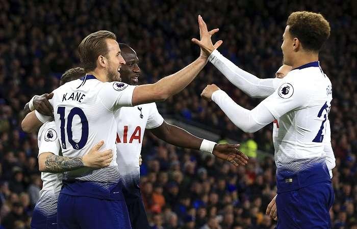 El Tottenham no tuvo piedad a sus rivales de hoy. /AP