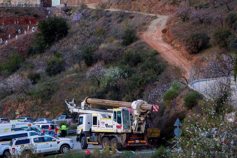Llegada de la tuneladora que seguirá las tareas de rescate del pequeño Julen, el menor que cayó a un pozo y que se intenta rescatar desde el domingo. EFE