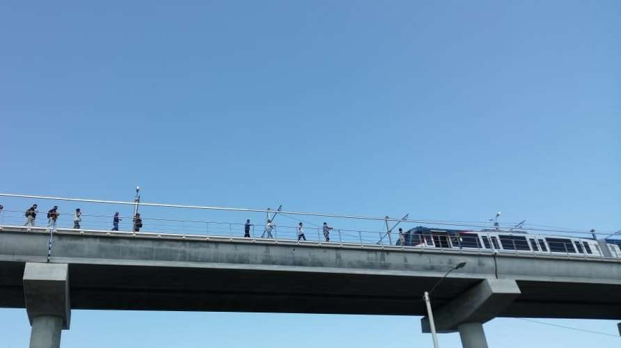 Usuarios del Metro de Panamá fueron evacuados por unidades del Cuerpo de Bomberos de Panamá.