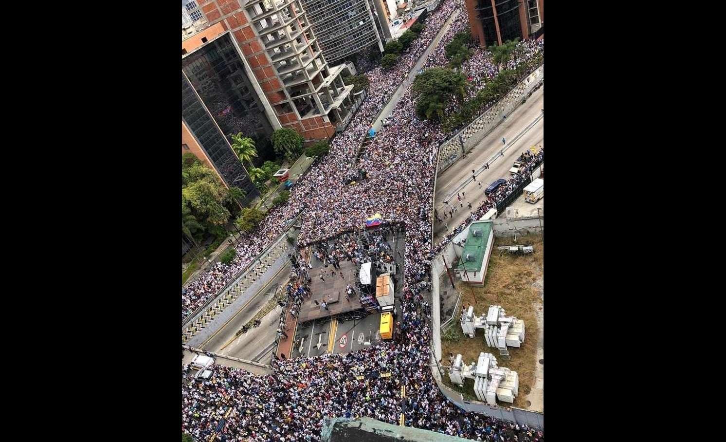 El pueblo venezolano se volcó a las calles.