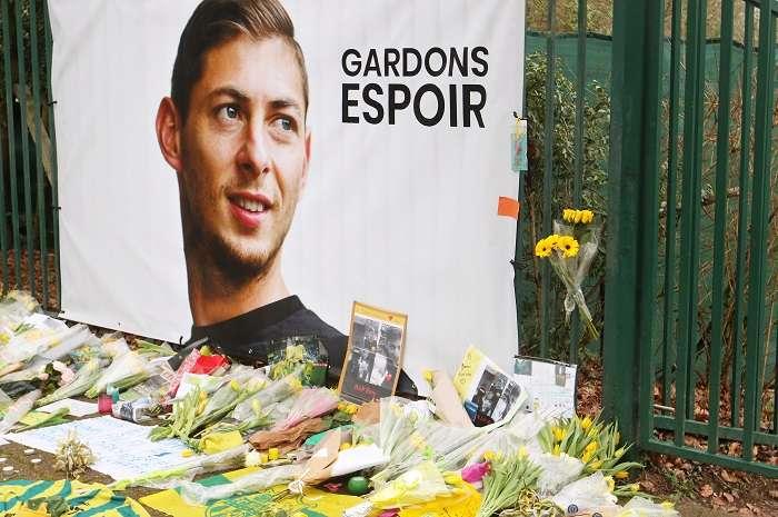 Vista del homenaje al jugador argentino Emiliano Sala en los campos de entrenamiento del FC Nantes. /EFE