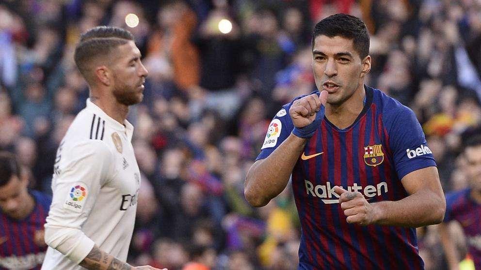 Luis Suárez celebra un gol en la cara de Sergio Ramos. /Foto: Agencias