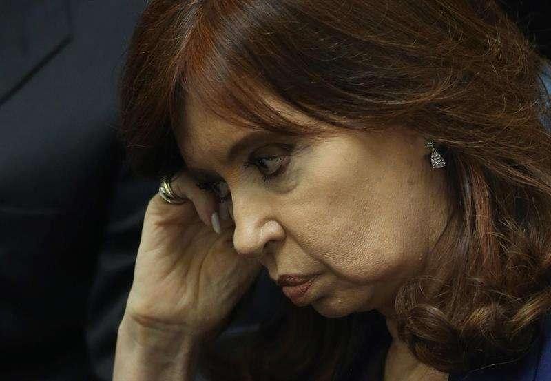 expresidenta y actual senadora argentina, Cristina Fernández, quien gobernó entre 2007 y 2015 y está acusada de presunta asociación ilícita en la concesión de una obra pública durante su mandato. EFE/Archivo