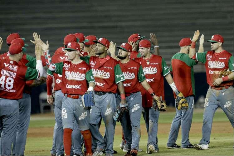 El equipo de México celebra el triunfo sobre Cuba en partido correspondiente al grupo A de la Serie del Caribe que se disputa en Panamá. Foto: AP