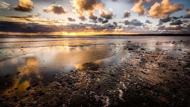 Vista general de la línea costera de una playa en Yorkshire. Foto: Pixabay Ilustrativa