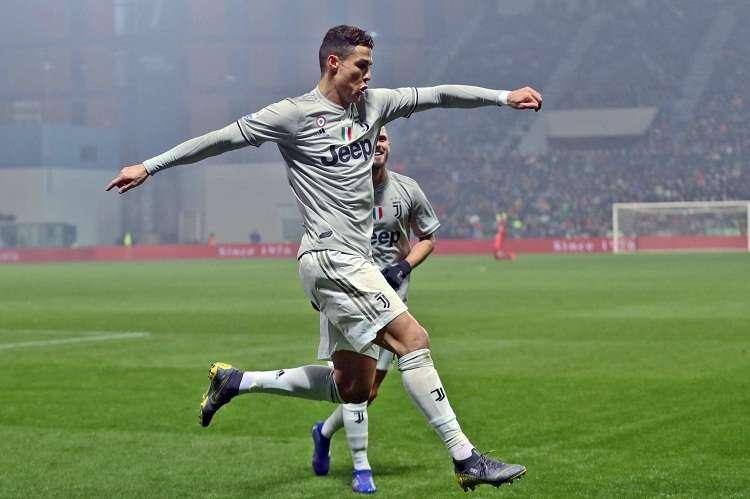 Cristiano Ronaldo  celebra su anotación con la Juventus. Foto: AP