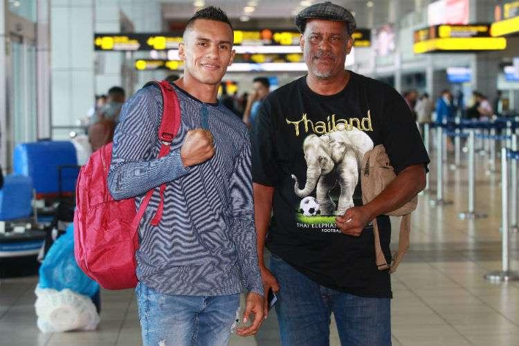"""Bryan """"La Roca"""" De Gracia (izq.) viajó en compañía del entrenador Celso Chávez. Foto: Anayansi Gamez"""
