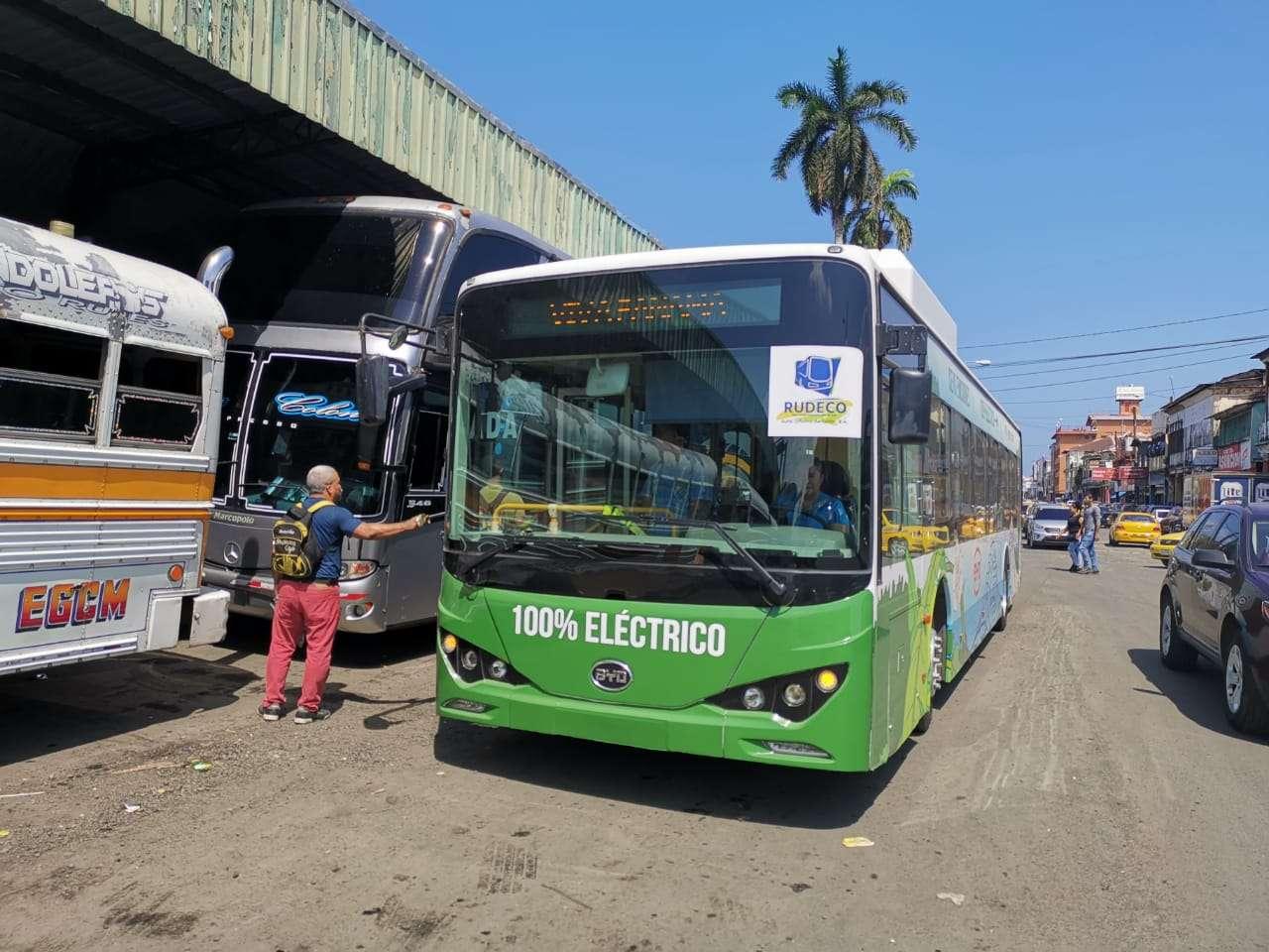 En la imagen un autobús eléctrico. Foto: Diómedes Sánchez