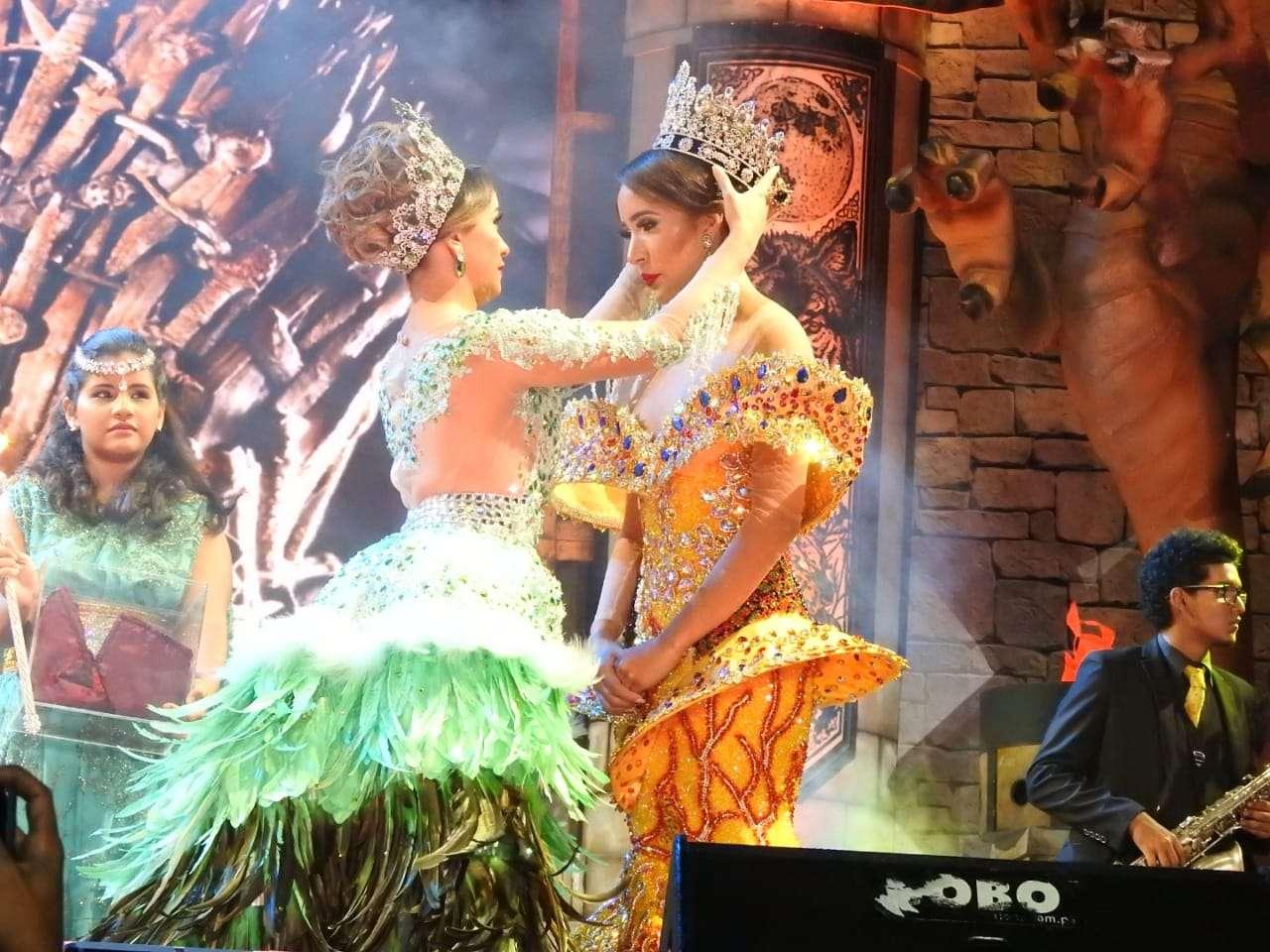 Coronación de Valerie Falcón, reina del carnaval capitalino
