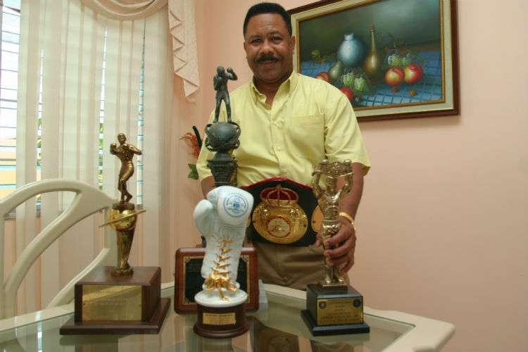 """Eusebio """"El Alacrán"""" Pedroza, excampeón mundial de boxeo (q.e.p.d.)"""