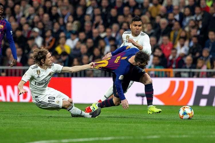 El Real Madrid volvió a caer ayer (1-0) ante el Barcelona. Foto: EFE