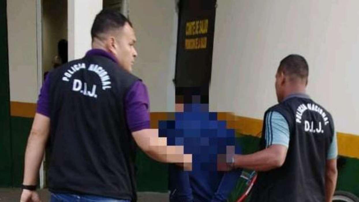 En la imagen aparece el sujeto que fue aprehendido lanzando droga al penal de David. Foto: Mayra Madrid