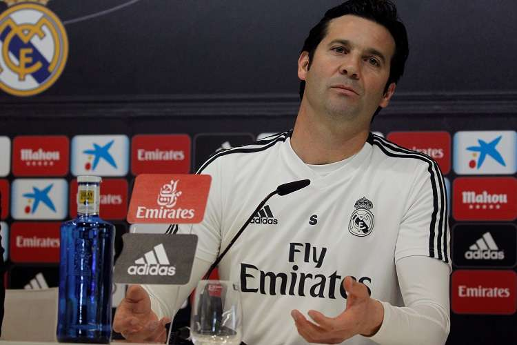 El entrenador argentino del Real Madrid, Santiago Solari, durante la rueda de prensa posterior al entrenamiento realizado este sábado. Foto: EFE