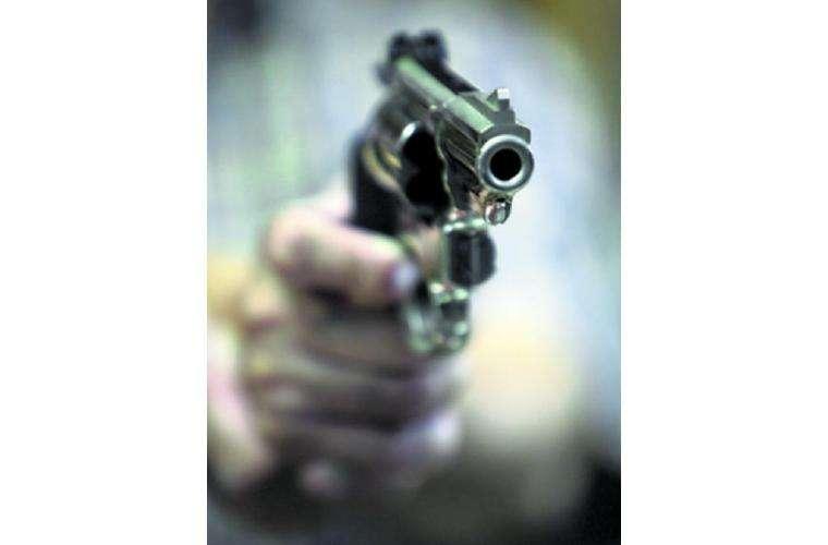 La bala le entró y le salió por otro lado. Foto: Ilustrativa
