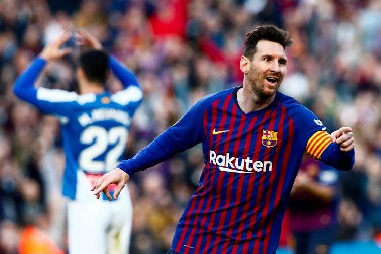 El delantero argentino del FC Barcelona Lionel Messi (d) celebra su anotación. Foto: EFE