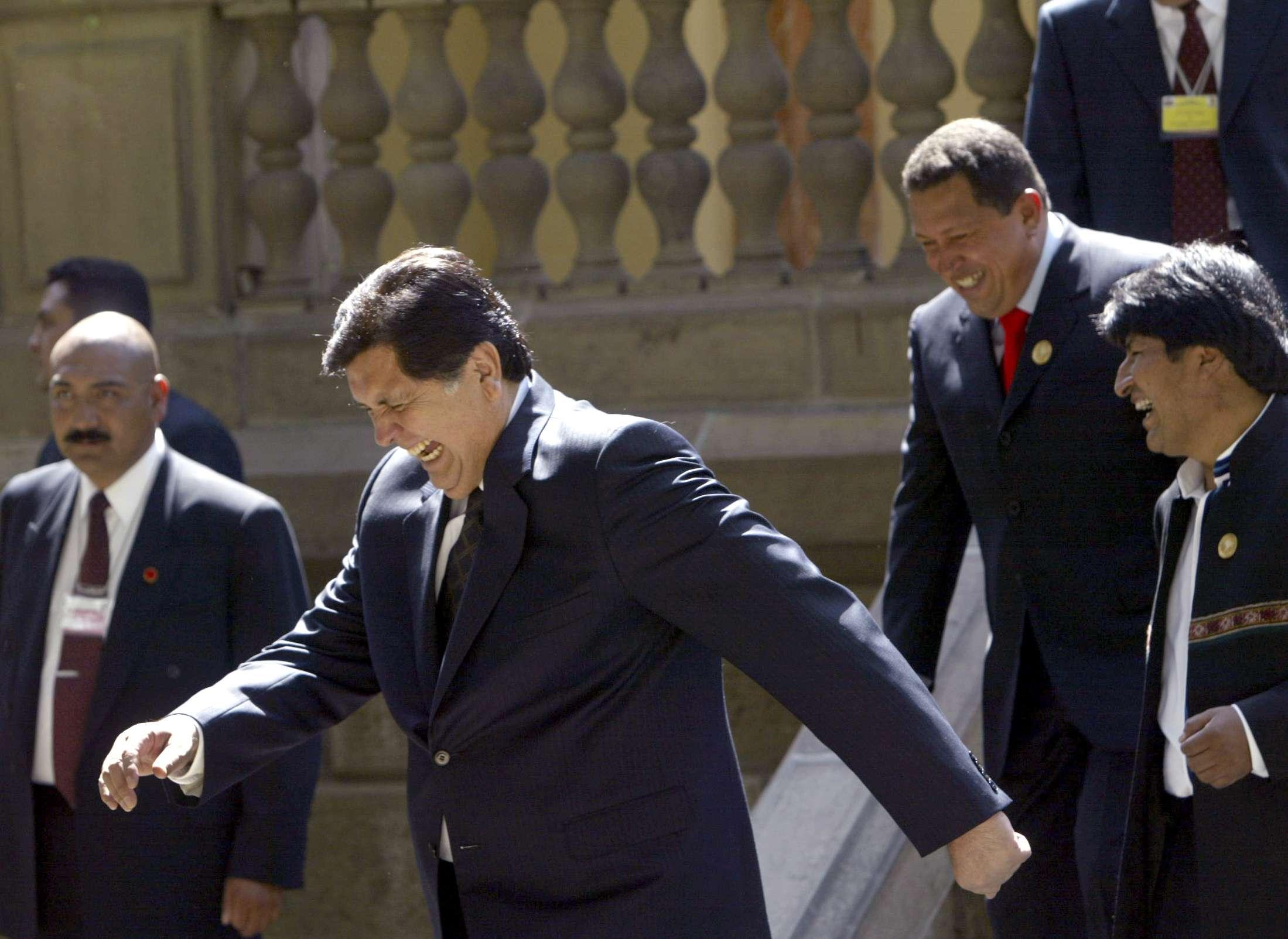 Alan García estaba siendo investigado por la Fiscalía peruana por los sobornos que la constructora Odebrecht pagó a altos funcionarios.
