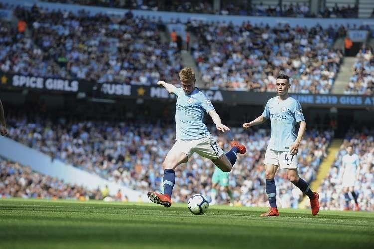 El triunfo permite al City superar, momentáneamente al Liverpool en la Premier: Foto: AP
