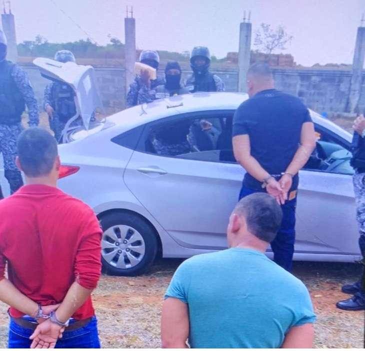 Delincuentes detenidos por hurtar leche en Chorrera