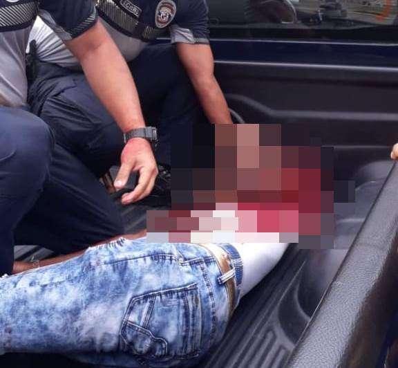 Hombre baleado en Colón. Foto/ Diómedes Sánchez