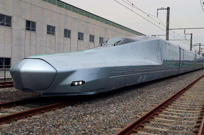 Imagen faciltiada por la compañía JR East que ha comenzado las pruebas para poner en funcionamiento un tren bala que alcanzará una velocidad máxima de 400 km/h. EFE