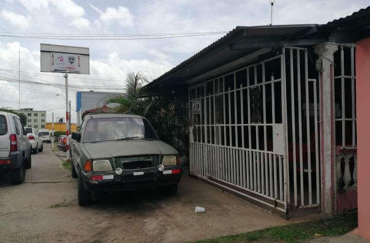 Residencia en donde aconteció el robo de las armas, la madrugada del viernes. Foto: Eric Ariel Montenegro