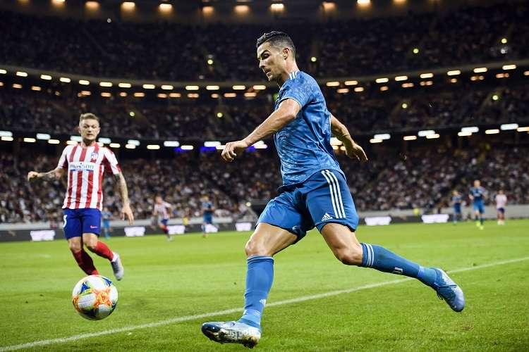 """Cristiano protagoniza tres de los nueve episodios de la serie documental """"The Making Off"""" que repasa la carrera de Cristiano Ronaldo, Neymar Jr y José Mourinho. Foto: EFE"""