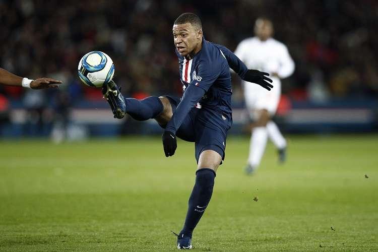 Kylian Mbappé, con 20 años, es el candidato más joven a formar el Equipo del Año.Foto: EFE