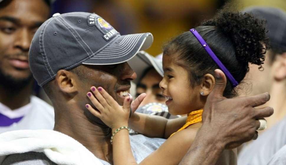 Kobe Bryant y su hija Gianna/ AP