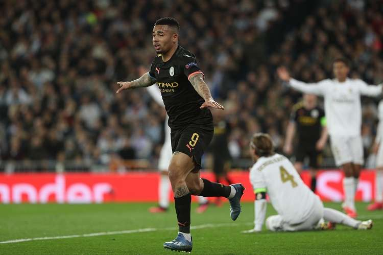 Gabriel Jesus celebra tras marcar el primer gol ante el Real Madrid. Foto: EFE