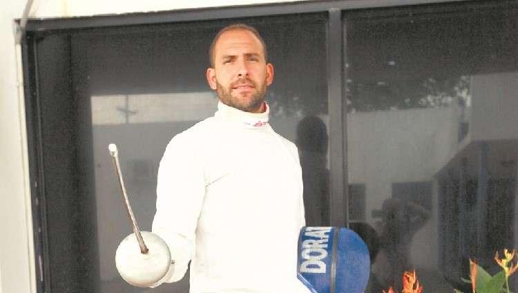 Arturo Dorati es uno de los máximos exponentes de la esgrima Panameña.