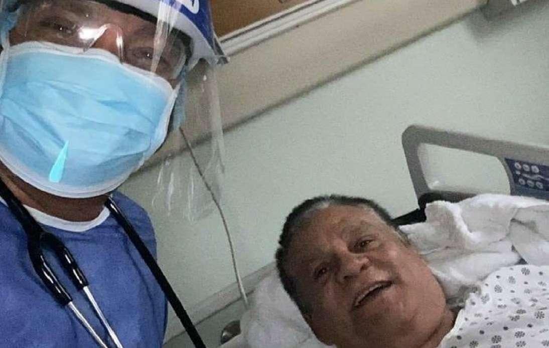 Roberto Durán junto al Dr. Tomás Javier Tapia. /Foto: Instagram