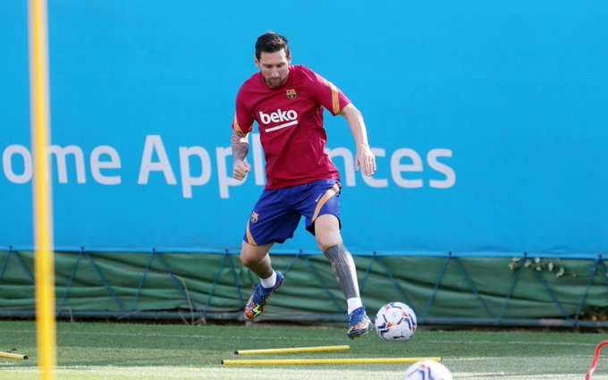Lionel Messi durante el entrenamiento de hoy lunes.