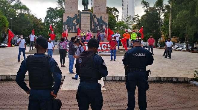 """El Suntracs solicita al Gobierno que cese el """"abuso y la mentira""""."""