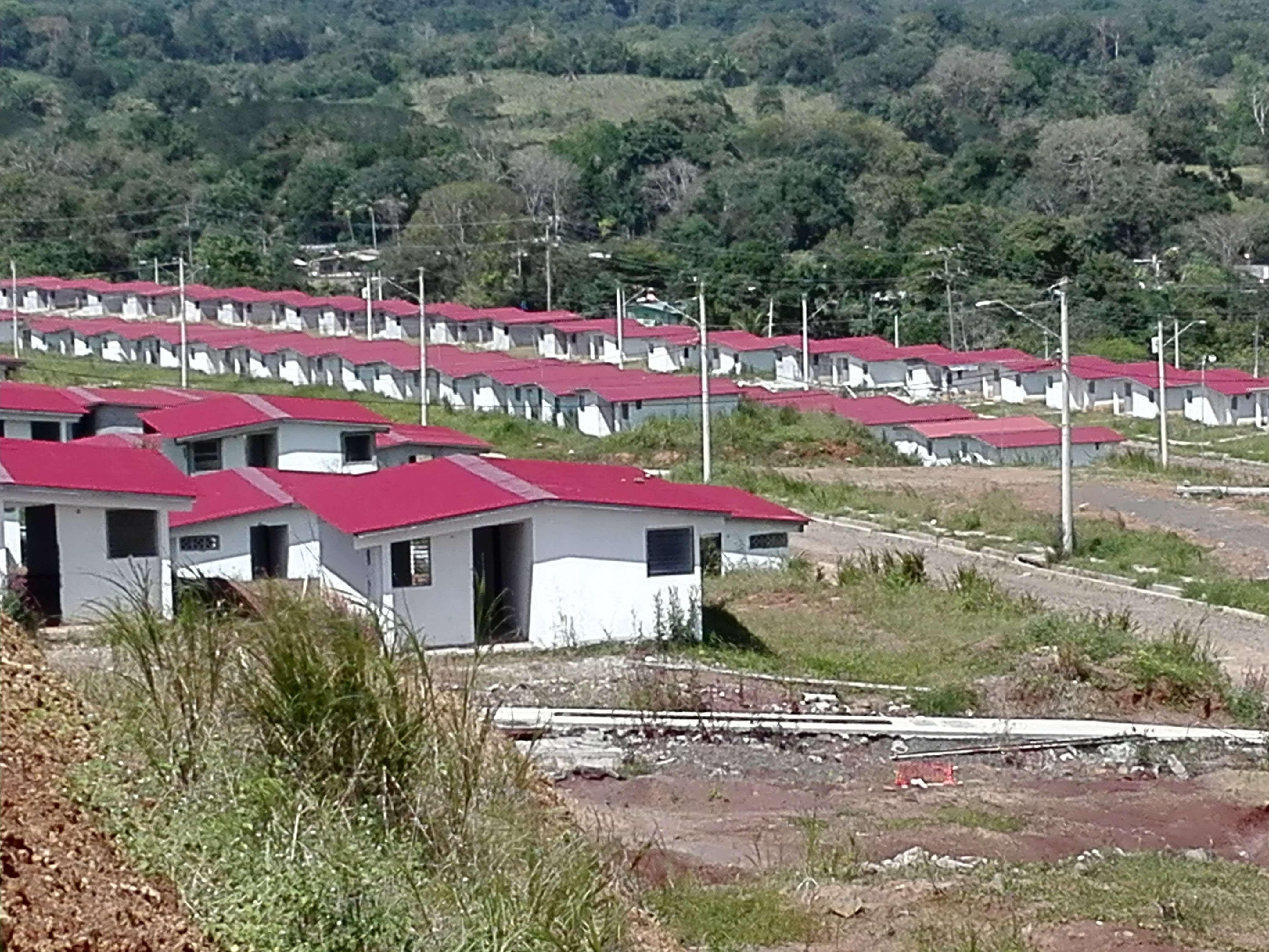 El suministro irregular de agua potable es un problema permanente en las comunidades de Panamá Oeste.