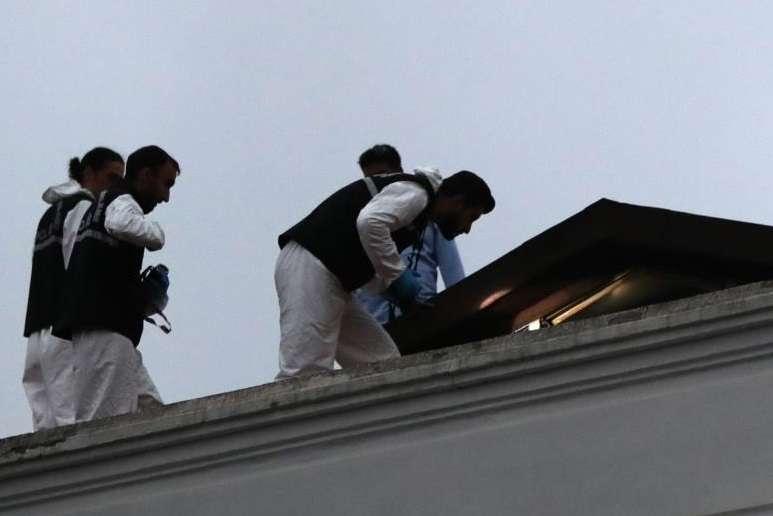 Miembros de la policía forense turca trabajan en la residencia del cónsul saudí en Estambul (Turquía). EFE/Archivo