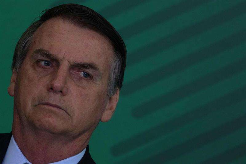 El presidente de Brasil, Jair Bolsonaro, participa de una Ceremonia de transmisión de los nuevos cargos de Ministros hoy en Brasilia (Brasil). EFE