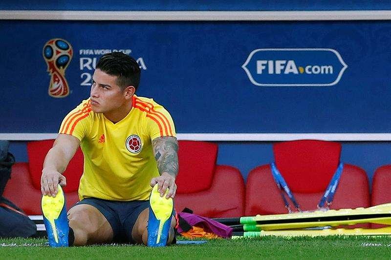 James, un aficionado más en el Spartak al que asistió Maradona y Valderrama. Foto EFE