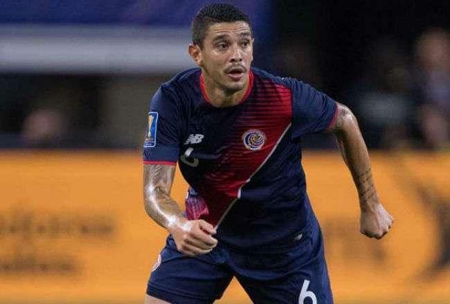 El jugador tico José Salvatierra.