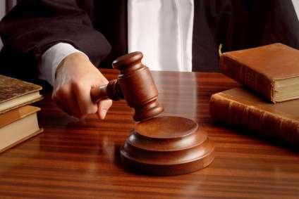 Los tres fueron condenados a varios años de prisión.