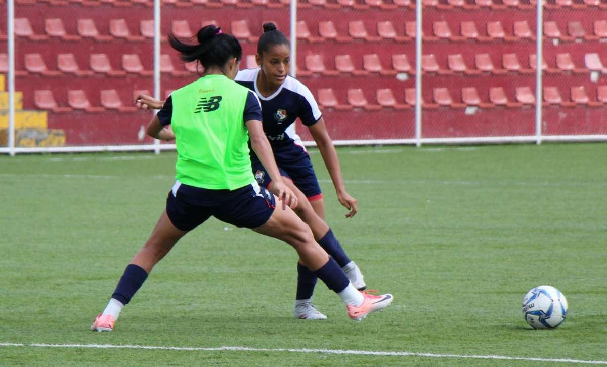 Entrenamientos de la selección femenina con miras a los Panamericanos. Foto: Fepafut