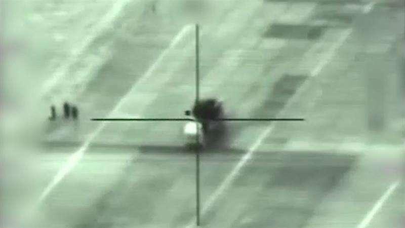 Una captura de vídeo muestra un lanzamisiles sirio en el objetivo de mira durante un bombardeo israelí en un lugar sin precisar en Siria. EFE
