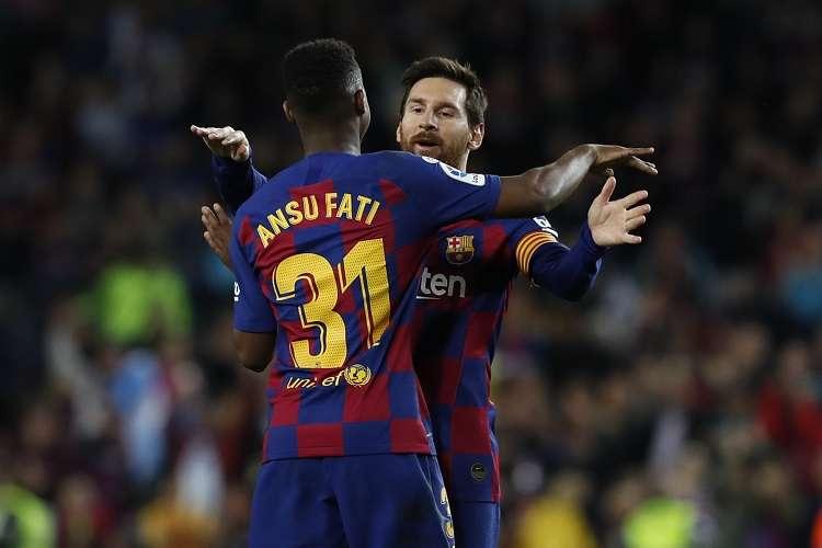 Lionel Messi y Ansu Fati celebran su anotación. Foto: AP