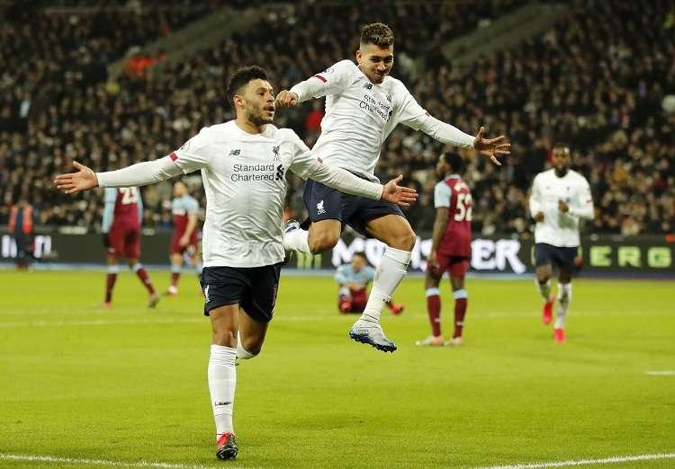 Alex Oxlade-Chamberlain celebra el segundo gol de Liverpool. Foto: AP