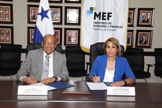 Del Río Remice oficializó su cargo ante el ministro de Economía y Finanzas. Foto/Cortesía