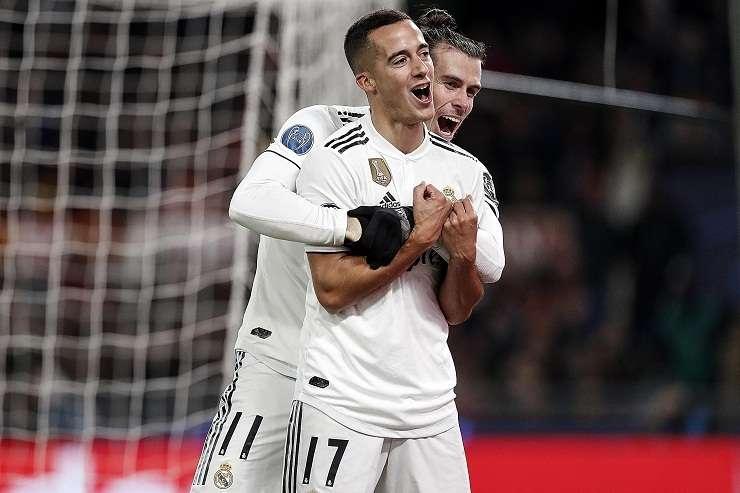 Lucas Vazquez (i) y Gareth Bale (d) de Real Madrid celebra al anotar  hoy ante la Roma. Foto: EFE