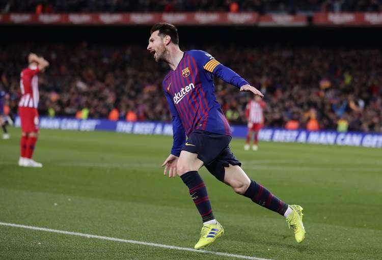 Luis Suárez celebra su gol ante el Atlético de Madrid. Foto: AP