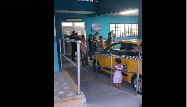 El hombre fue trasladado a la policlínica María Valdés