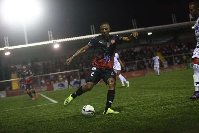 Luis Mendoza, defensor del Sporting San Miguelito. /Foto: Anayansi Gamez
