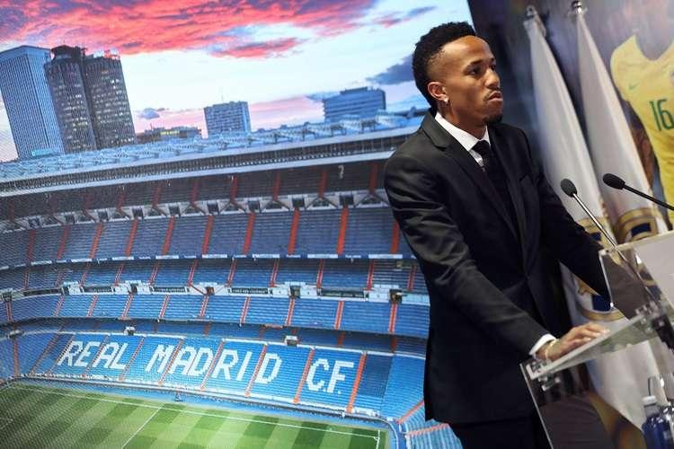 El defensa brasileño Eder Militao durante su presentación como nuevo jugador del Real Madrid. Foto: EFE