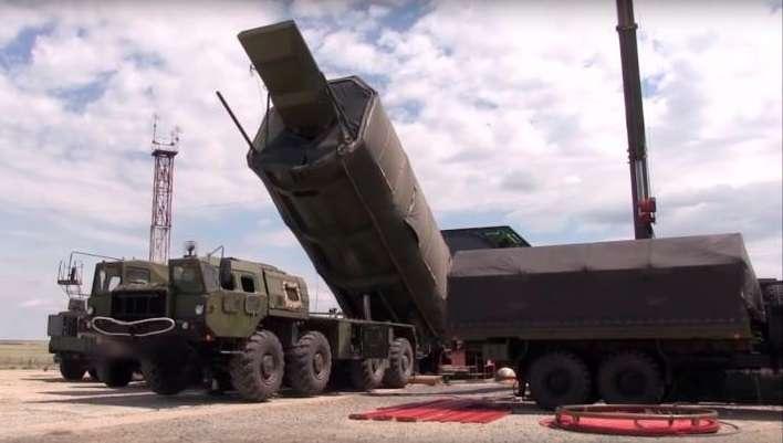 Captura de video de archivo facilitada el 19 de julio de 2018 por el Ministerio de Defensa ruso que muestra un sistema estratégico intercontinental Avangard en territorio ruso. EFE